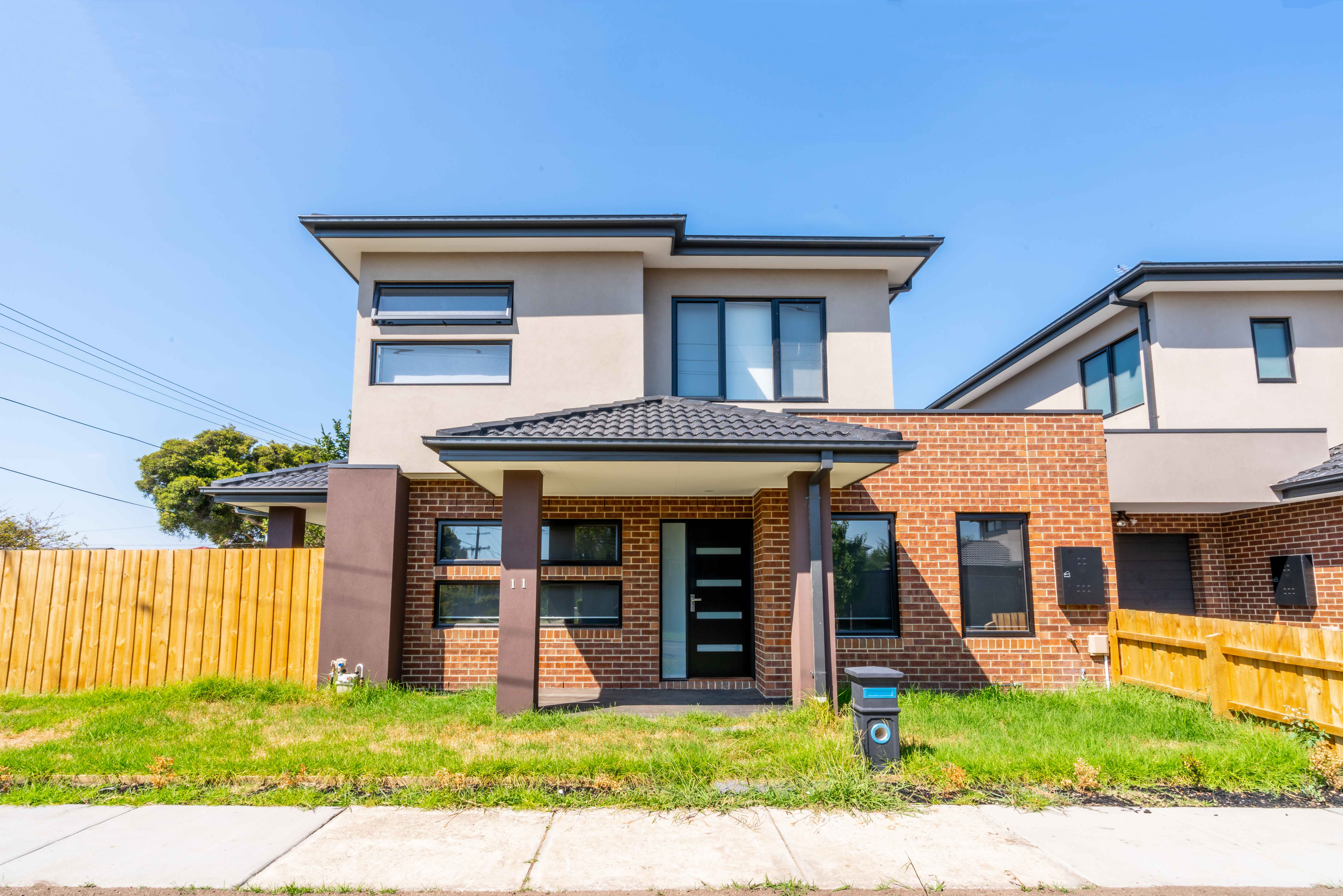 9 Tippet St, Clayton South